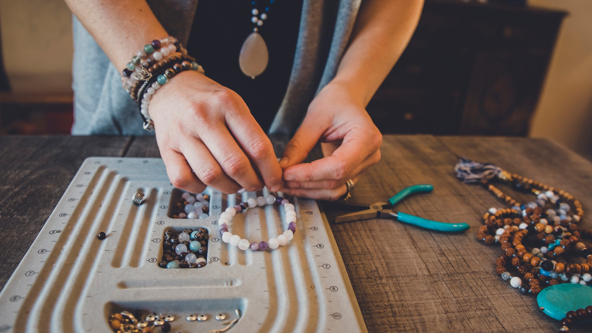 500+ Catchy Jewelry Brand Name ideas| Quirky names for your jewelry Business
